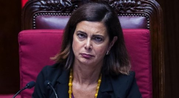 Boldrini: «Denuncerò chi mi insulta su Facebook: adesso basta». E pubblica gli attacchi e le minacce