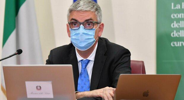 Covid, Brusaferro: «Terapie intensive in aumento. Meno casi tra i giovani ma preoccupano over 50 non vaccinati»