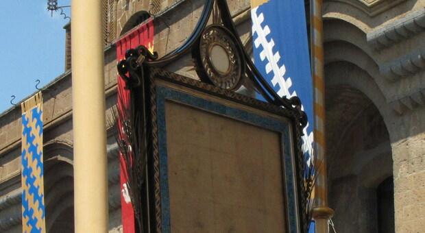 Orvieto rinuncia ancora alle grandi feste della tradizione. Palombella e Corteo ridotti, annullati Corteo Dame e Staffetta Quartieri