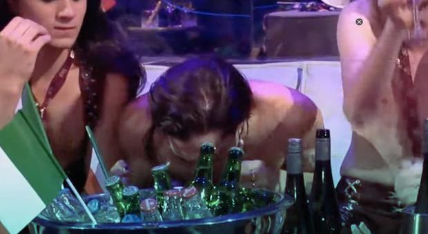 Maneskin, video diventa virale: «Damiano sniffa cocaina?». La smentita: «No, ecco cosa è successo»