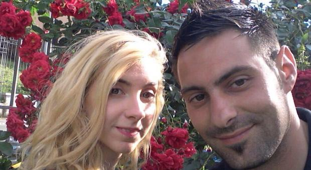 Vincenzo Paduano con la sua ex Sara Dipietrantonio in una foto presa da Fb