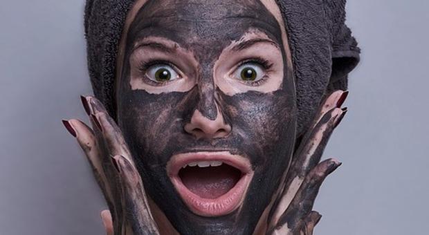 Centri estetici chiusi? Il trattamento beauty si fa in videochiamata (anche con l'estetista di Meghan Markle)