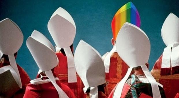Libro choc sulla lobby gay in Vaticano. «Otto preti su 10 sono omosessuali»