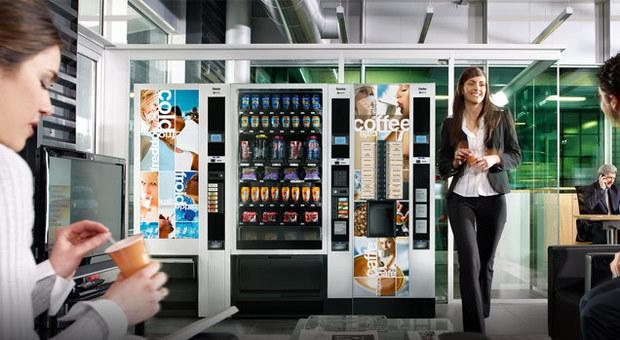 Caffé, acqua e prodotti bio: boom ai distributori automatici. La spesa? 4 miliardi di euro l'anno
