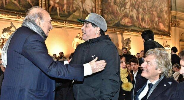 Maradona: come è morto, le ultime ore nella casa di Buenos Aires, dopo l'infarto i medici hanno tentato a lungo di rianimarlo