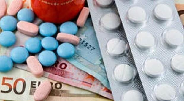 Allarme Farmaci Pericolosi.Farmaci Allarme Vendite On Line 500 Siti Chiusi