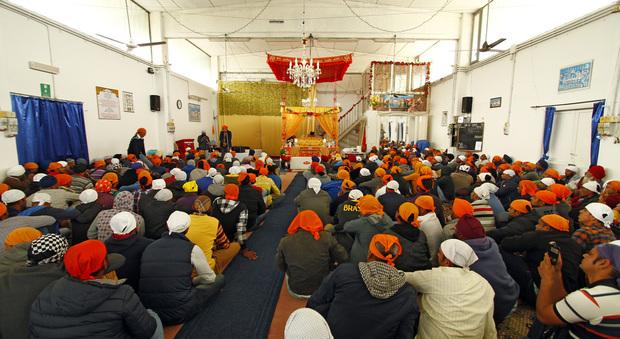 La riunione dei braccianti al Tempio Sikh