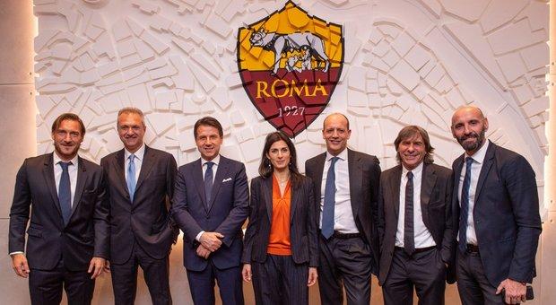 Roma totti inaugura la nuova sede il premier conte lo for Uffici eur roma