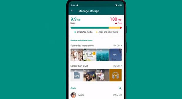 WhatsApp, nuova funzione per recuperare spazio e cancellare le chat archiviate