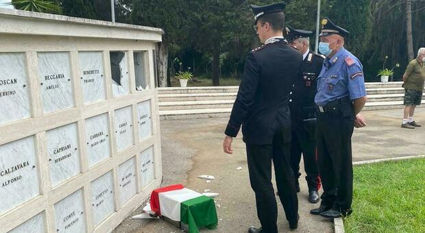 Nettuno, profanato cimitero della Memoria: trafugati resti di due caduti della X Mas, danneggiate altre 3 tombe