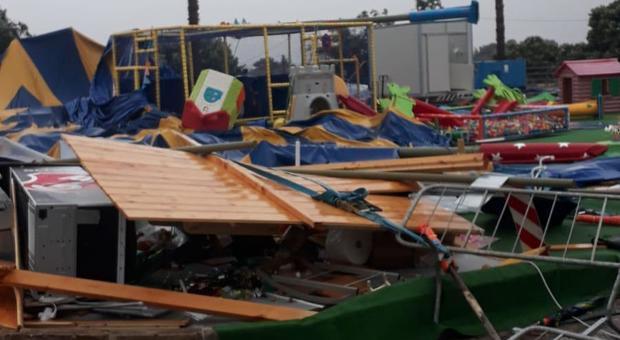 Brindisi, tromba d'aria sulla città: distrutto un parco giochi e travolto l'ospedale
