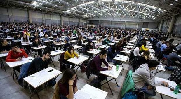 Test d'ingresso per medicina, lunedì e martedì alla fiera di Roma il concorso per l'Università Cattolica di Roma
