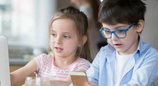 Bambini e miopia: «Triplicata, effetto diretto della vita al chiuso»