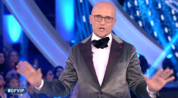 Grande Fratello Vip, Alfonso Signorini: «Entrano 5 nuovi concorrenti, fra cui una giornalista del Tg5»