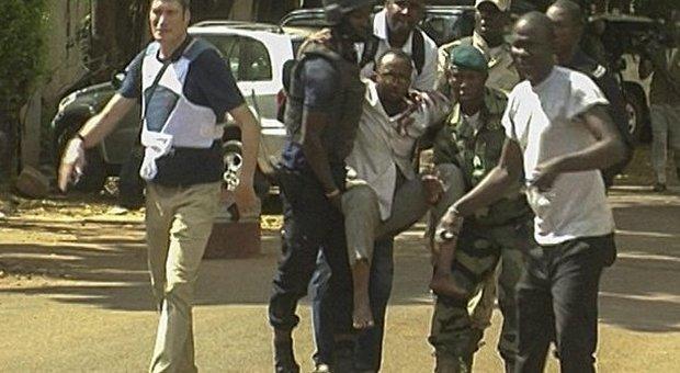 Mali, attacco jihadista al Radisson: 27 morti, liberati gli ostaggi, uccisi tutti terroristi