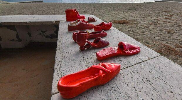 yx7jzhv2vwbl6m https www ilmessaggero it mind the gap violenza donne scarpette rosse ceramica contro la violenza sulle donne al via la quarta edizione 5597955 html