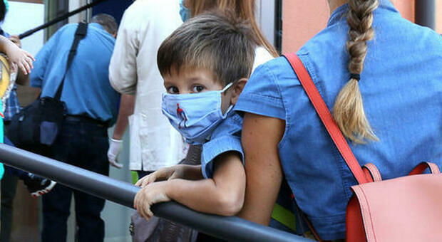 Variante Delta spinge i contagi nelle scuole elementari: boom di casi in Gran Bretagna