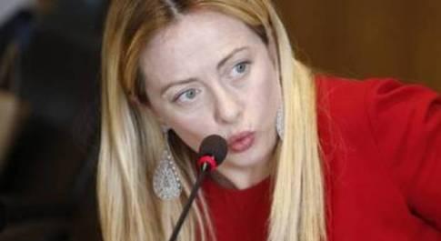 Giorgia Meloni, stalker arrestato a Termini. «Mesi di persecuzioni, era ossessionato»