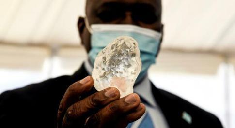Il terzo diamante più grande al mondo scoperto in Botswana, pietra di oltre 1.000 carati che arricchirà il paese africano