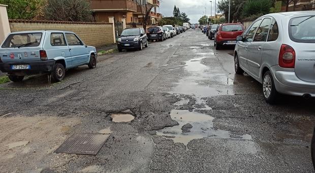 Ladispoli, emergenza buche: «Pronto piano anti-voragini»
