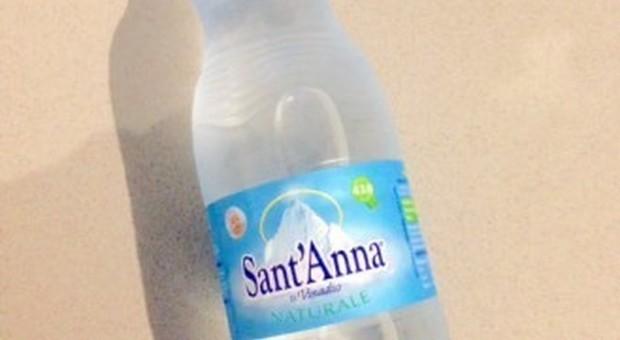Auchan ritira acqua minerale dai suoi supermercati Foto Fotolia