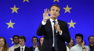 L'Italia replica alle accuse tedesche, Macron chiama Conte: vediamoci