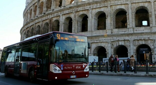 Roma. Atac, gli autisti fantasma a casa senza motivo: otto licenziati, altri 10 sospesi