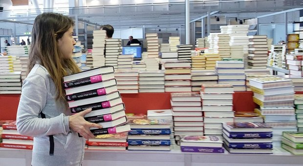 Al Salone del Libro di Torino lo scrittore partenopeo Grassitelli