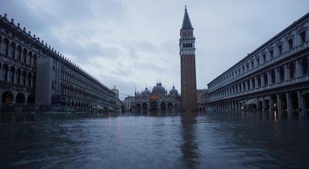 Venezia, «La Ue pronta ad aiutare l'Italia, ma finora nessuna richiesta»