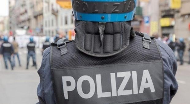 """Rivolta al Cpr di Torino, agente ferito. «In sei contro 158 """"ospiti"""", non parlatemi di accoglienza»"""