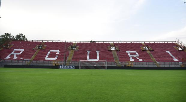 La curva nord dello stadio Curi