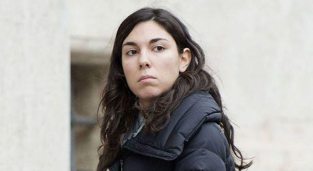 Sarti, Casalino: «Nascosta dietro il mio nome». L'ex di lei: «Falso» Di Maio: «Espulsione doverosa»