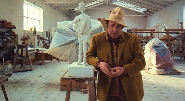 Lo scultore Giacomo Manzù