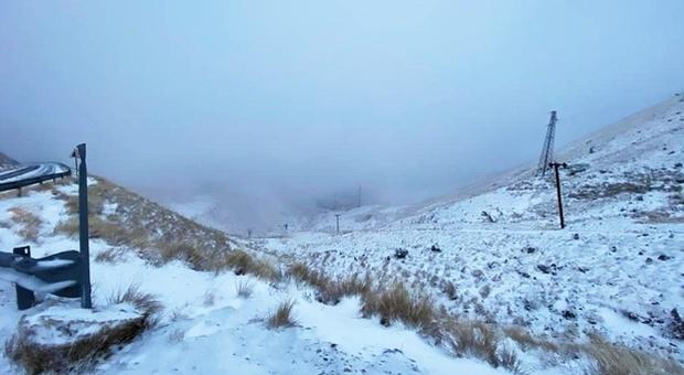 Rieti, primi fiocchi di neve imbiancano il Terminillo