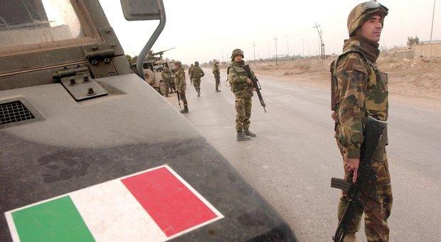 Iraq, militari italiani restano ma via da Baghdad. Guerini a collega Usa: «In gioco sicurezza, coordinarsi in futuro»