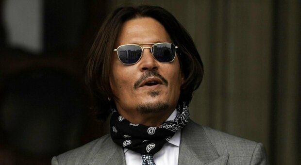 Johnny Depp senza pace: un intruso in casa sua si fa la doccia e si versa da bere