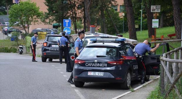 Pisa, donna trovata morta in un supermercato: è giallo