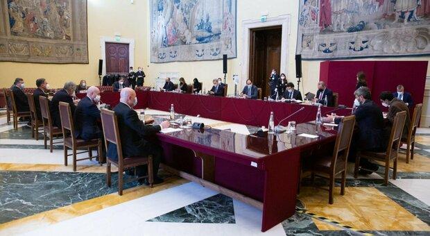 Governo diretta, al tavolo sul contratto Italia Viva chiede il Mes: no M5S. Renzi propone Bicamerale sulle riforme