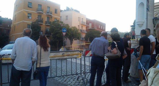 Roma, crollo a Ponte Milvio, il palazzo non è assicurato: la rabbia degli inquilini