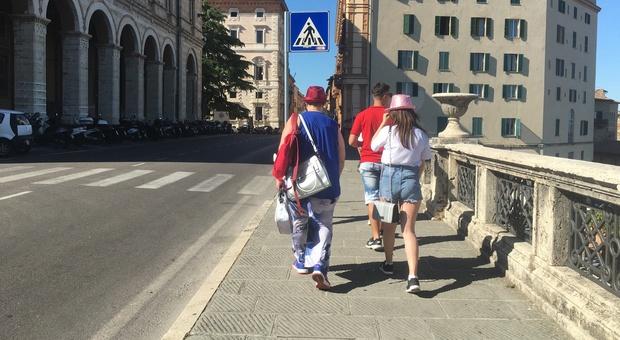 Covid, assegno per i figli: 400 euro alle famiglie per ogni bambino dalla provincia di Bolzano