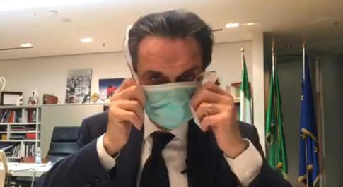 Coronavirus, Fontana: «Mascherina sbagliata? Non ne abbiamo più». Juve-Inter, ipotesi porte aperte