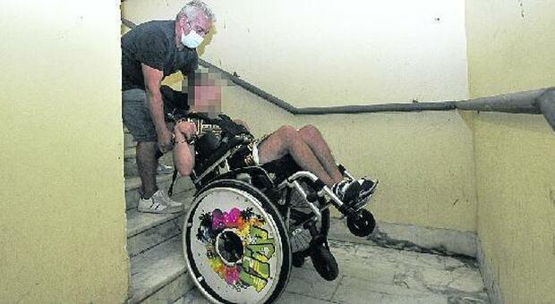L'ascensore è fuori uso: disabile prigioniero in casa a Ostia