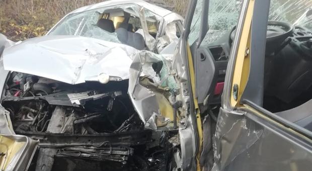 Incidente fra due auto ad Anagni, morto un 31enne di Roma