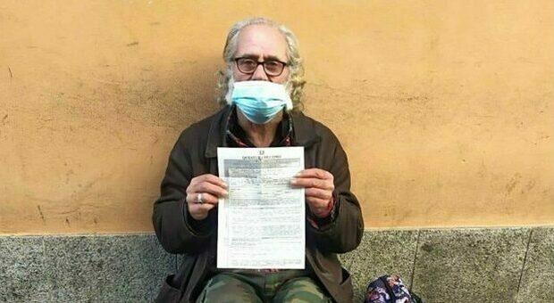 Como, clochard viola il coprifuoco: multa da 280 euro. «Non era a casa», ma lui il domicilio non ce l'ha