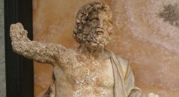 La statua di Zeus in trono