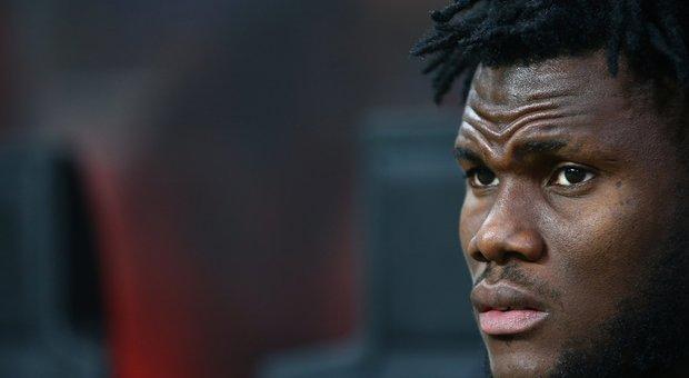Milan-Inter, litigio nella panchina rossonera: tensione Kessie-Biglia