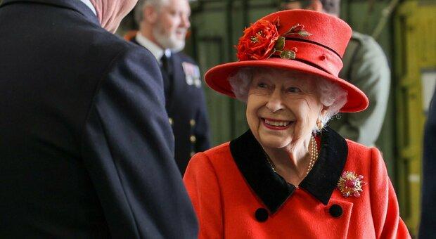 Regina Elisabetta, Platinum Jubilee: la festa il prossimo anno, e gli inglesi non lavoreranno per 4 giorni
