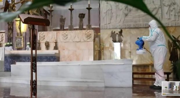 Roma, allerta per le sanificazioni delle Chiese: «Rischiano di danneggiare le opere d'arte»