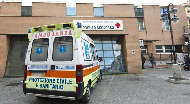 Ostiense, uomo accoltellato alla schiena in piazza del Gazometro: è gravissimo
