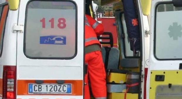 Incidente tra due tir sotto una galleria in A14: quattro chilometri di coda. Un ferito grave